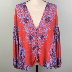 """EUC-FREE PEOPLE """"Birds of a Feather"""" peasant top."""